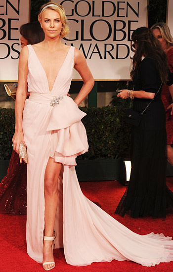 charlize-theron-Globes 2012