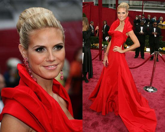 Причёска и макияж под короткое красное платье